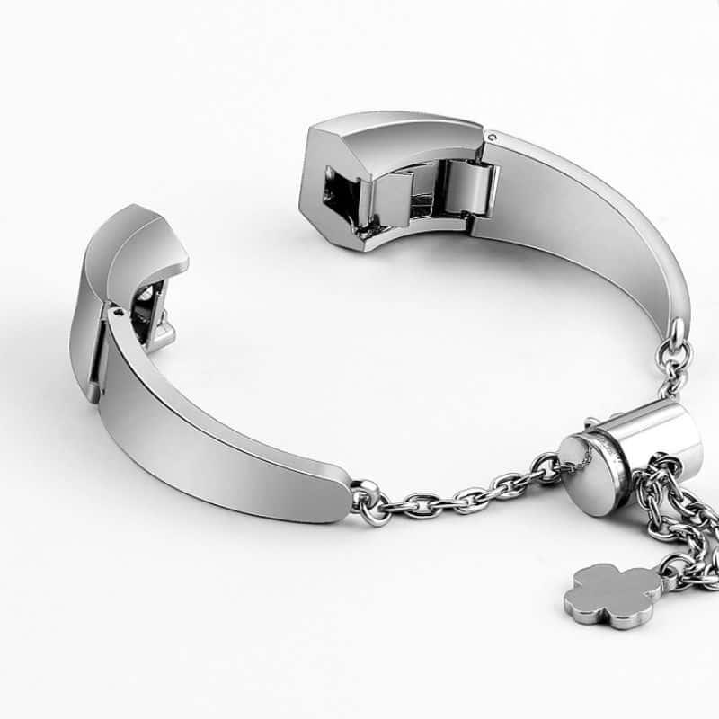 Fitbit alta bandje zilver met hanger - Fitbitbandje.nl