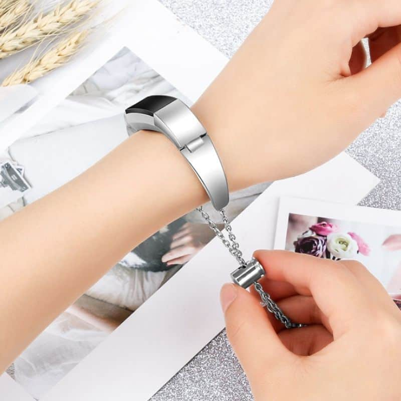 Fitbit bandje alta met hanger zilver - Fitbitbandje.nl